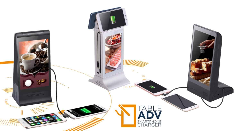 Totem menù digitale interattivo con ricarica cellulare